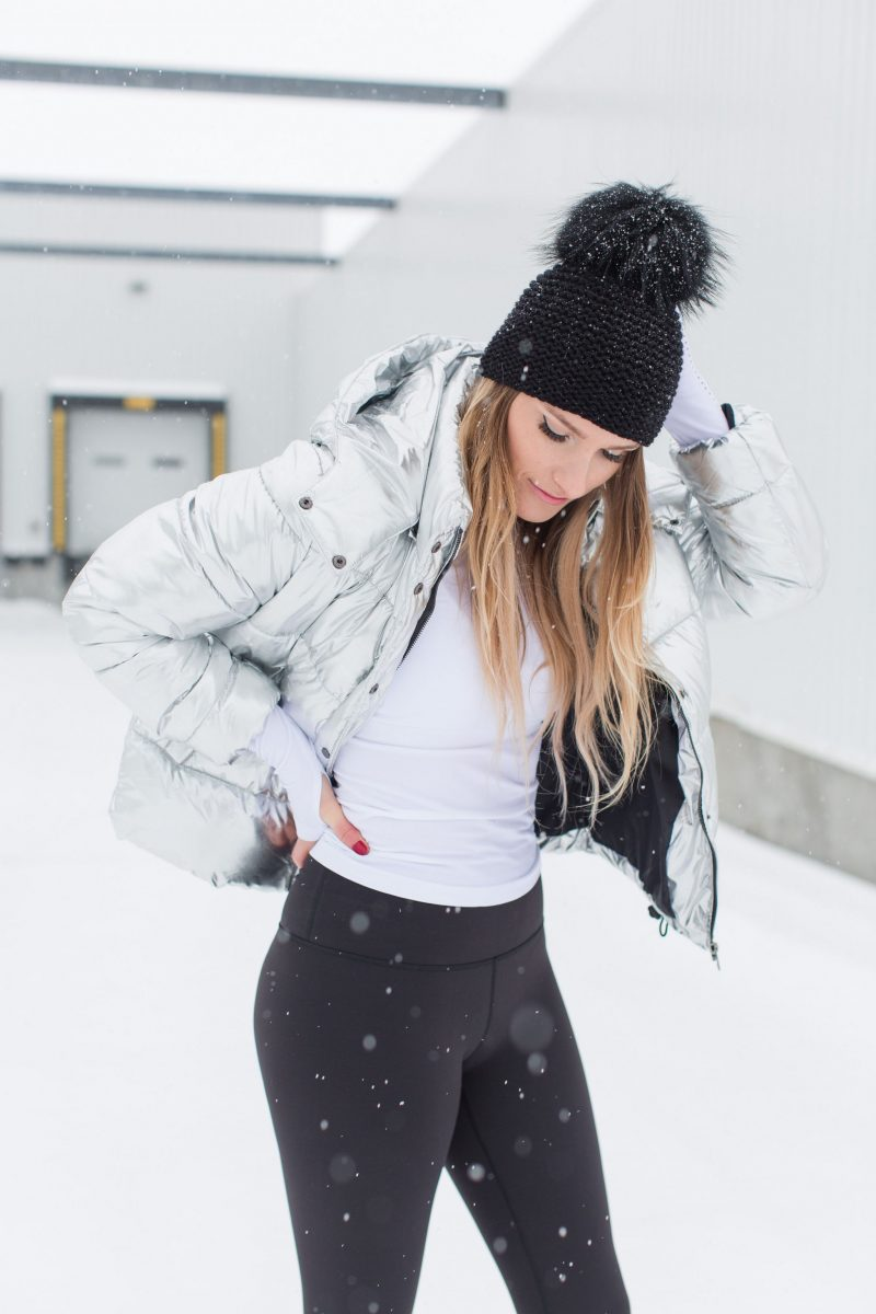 amanda conquer, fitness style, gym outfit, long sleeve and leggings, black pom hat