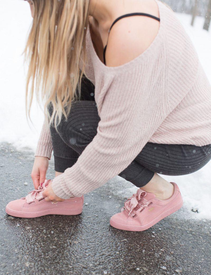 life with aco, Ottawa fashion blogger, Amanda conquer, fur pom hat, ribbed joggers