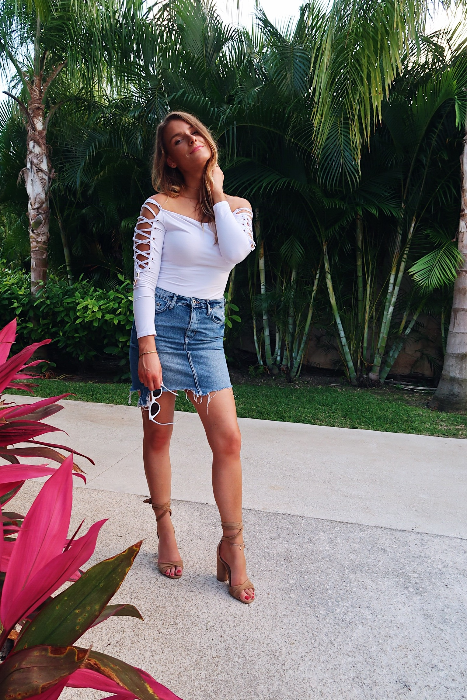 vacation outfit ideas, life with aco, bodysuit and denim skirt, fashion blogger