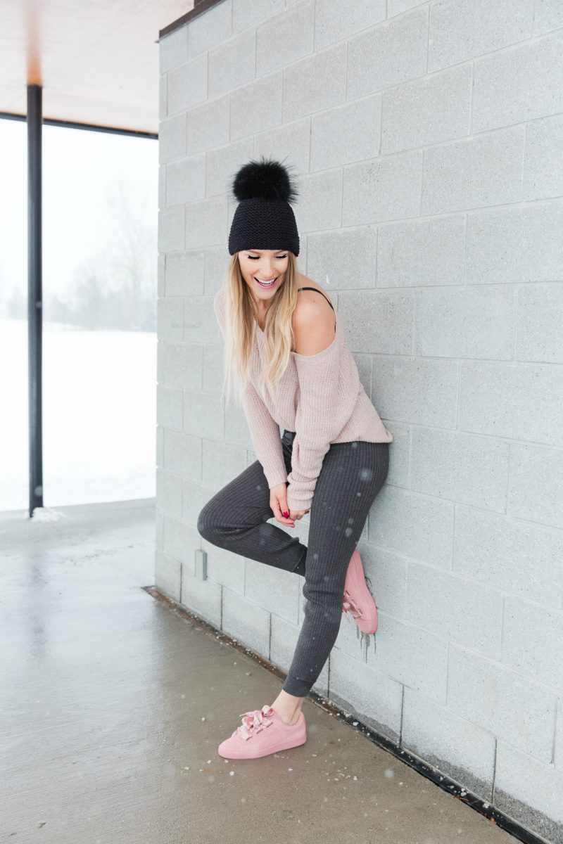 life with aco, Ottawa fashion blogger, Amanda conquer, fur pom hat, cozy outfit for weekend