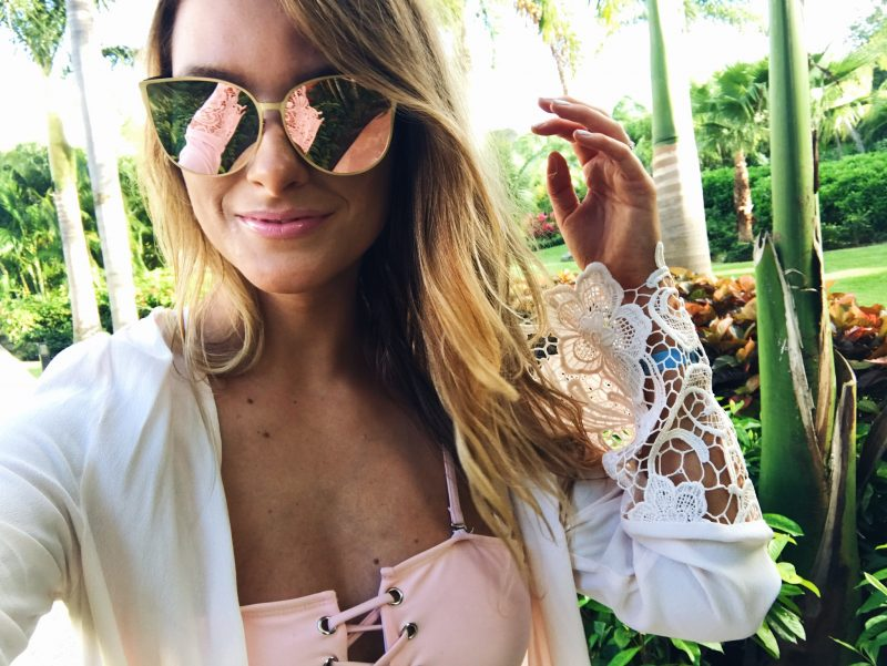 life with aco, rose gold sunglasses, selfie, Amanda conquer vacation