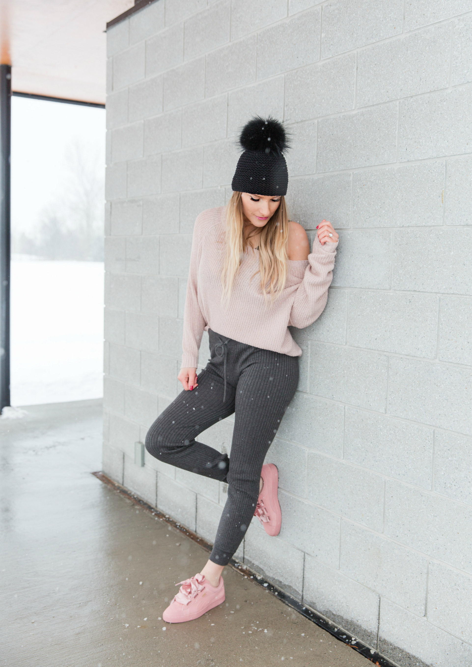 life with aco, Ottawa fashion blogger, Amanda conquer, fur pom hat, pink sneakers