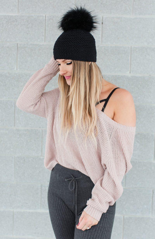 life with aco, Ottawa fashion blogger, Amanda conquer, fur pom hat