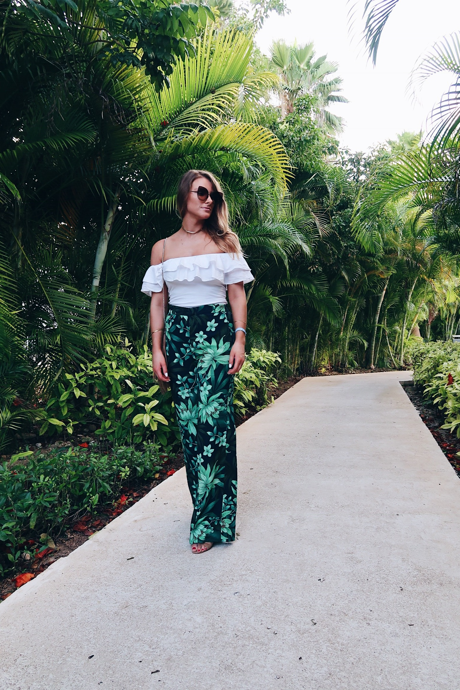 wide leg pants, fashion blogger Amanda conquer