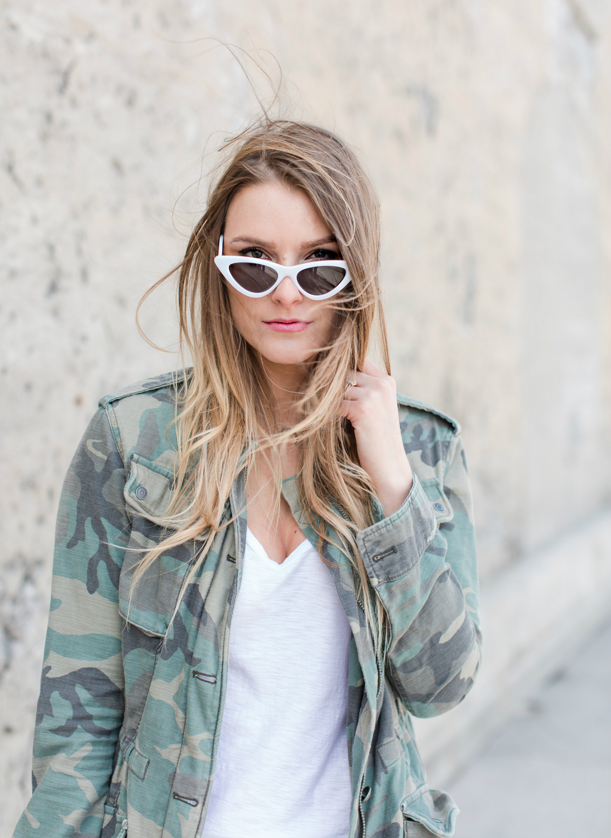 1 person, fashion blogger, white sunglasses