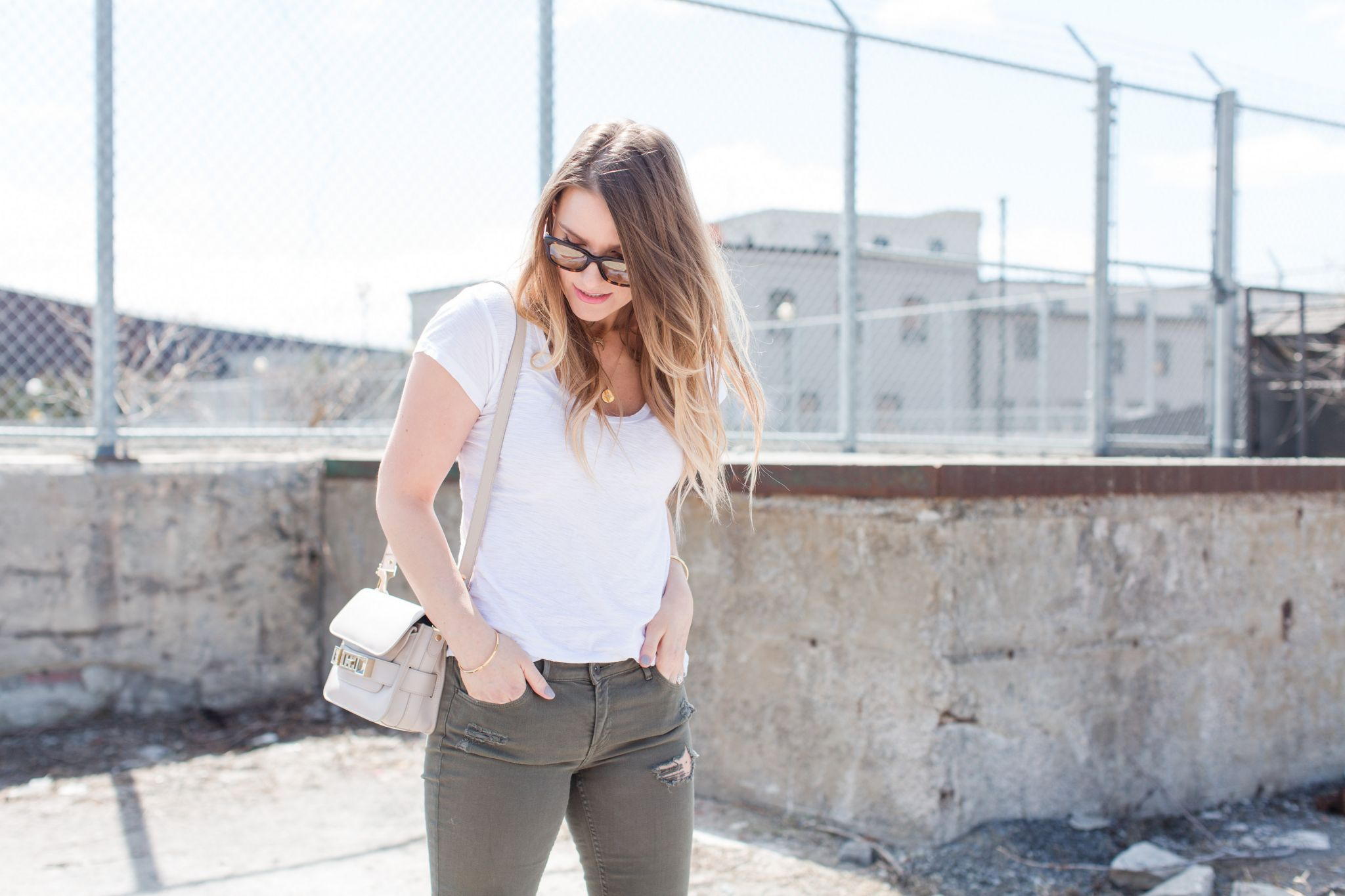 1 person, green pants, fashion blogger outfit