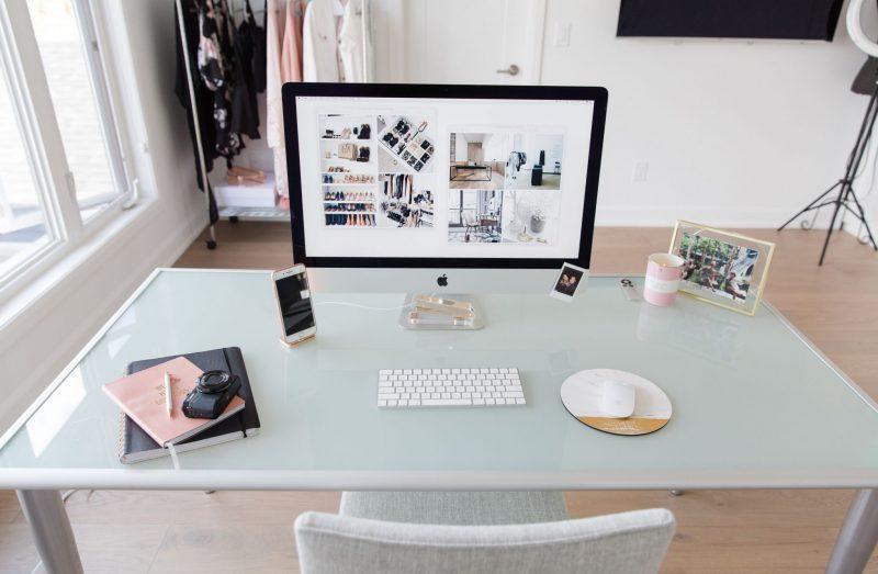 blogger desk office
