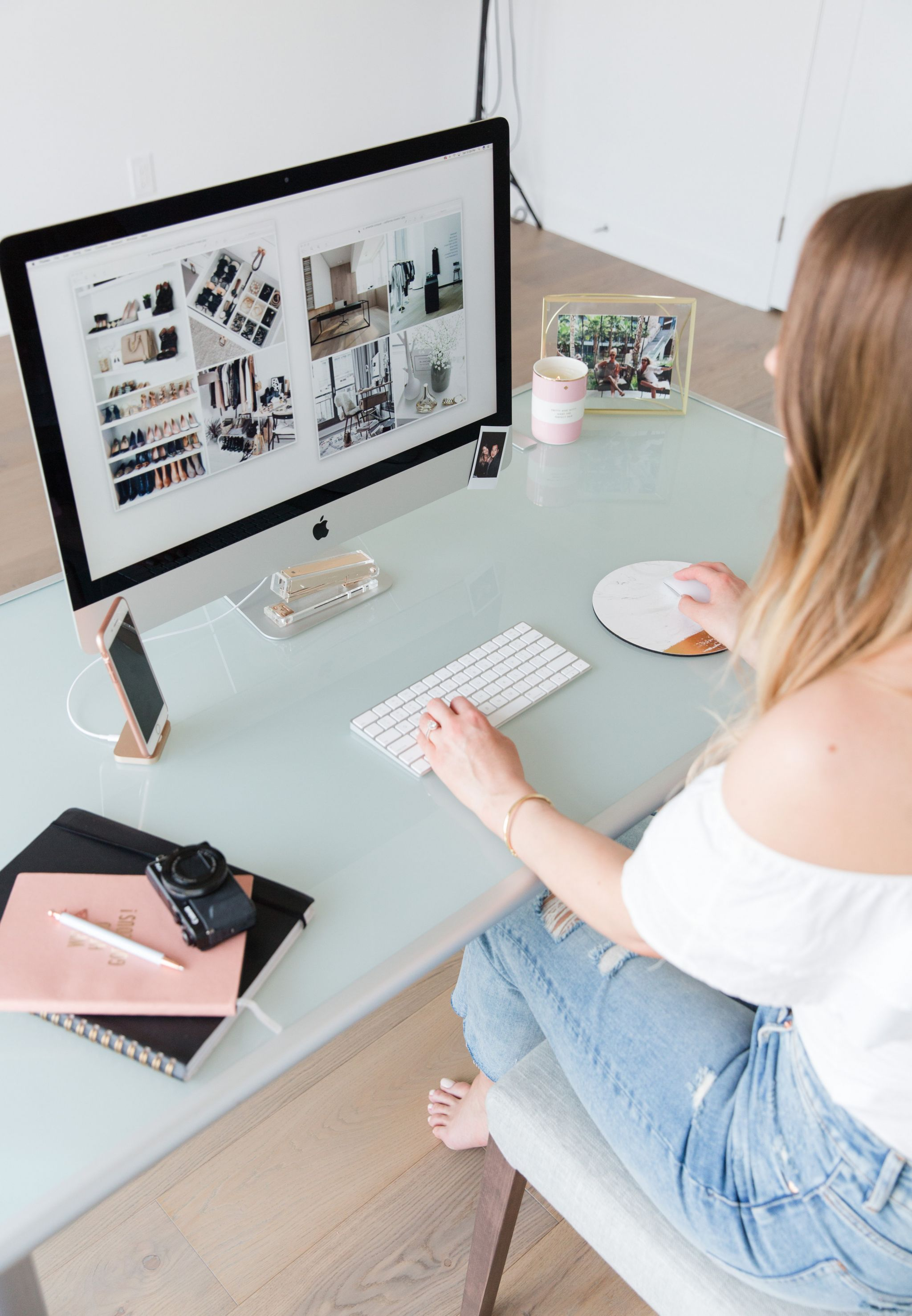 1 person, girl sitting at desk, blogger at desk