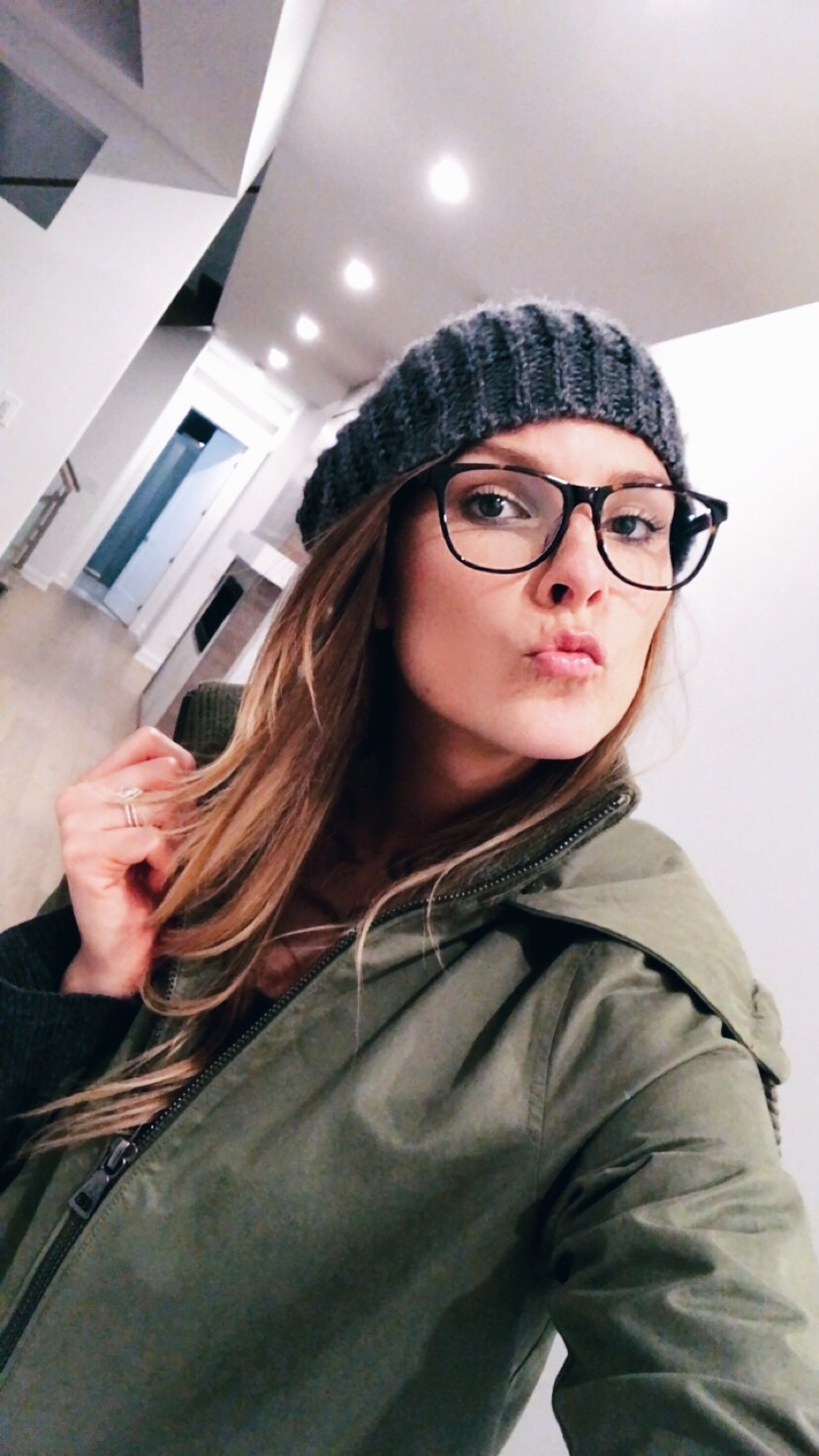 1 person, selfie, girl wearing a beanie and glasses