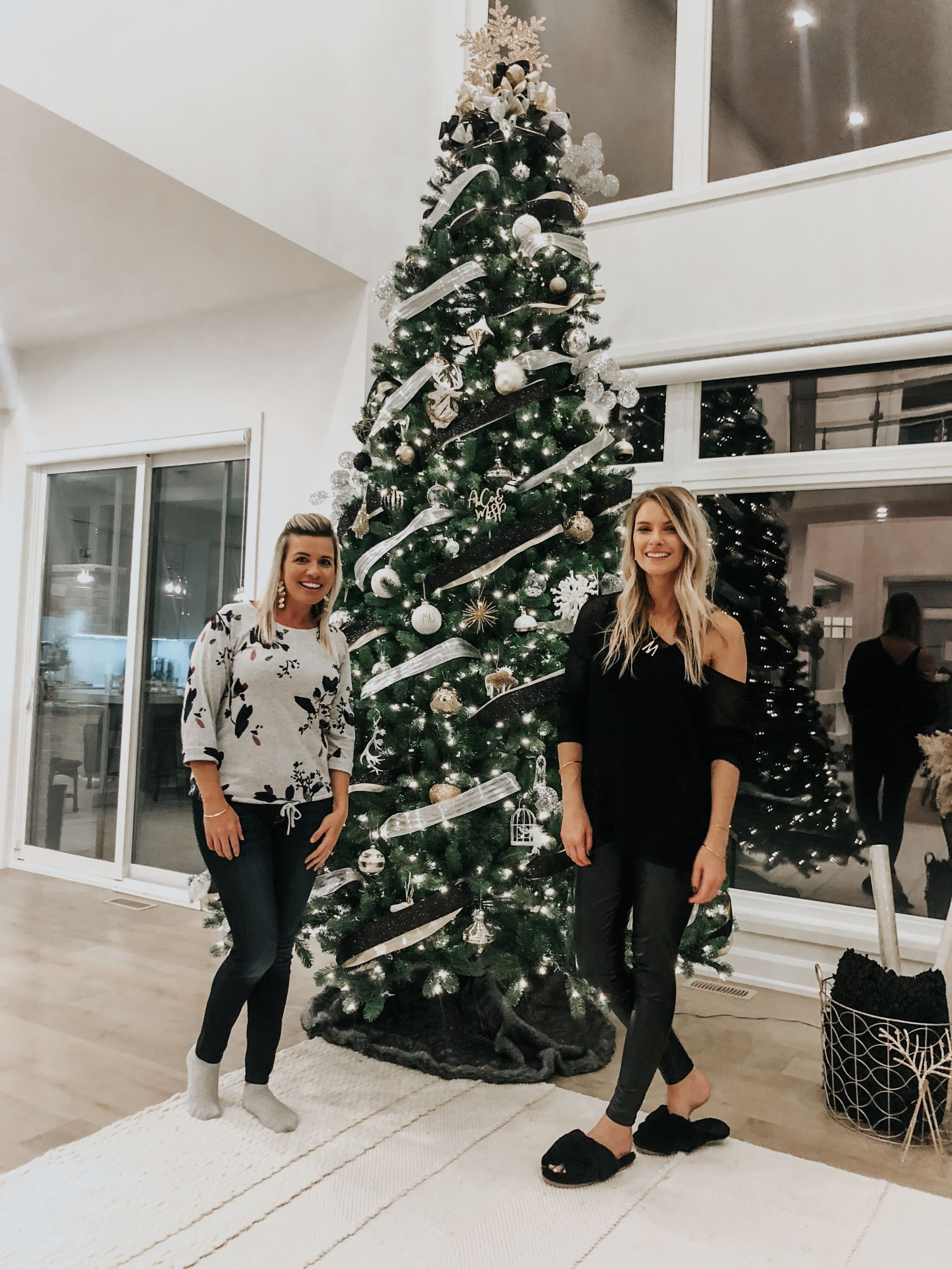 12 foot Christmas tree, life with aco, two girls and a Christmas tree