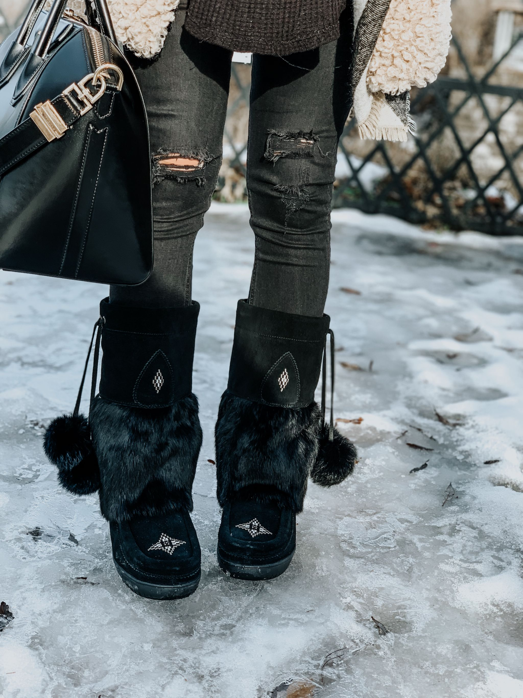 black mukluks outfit