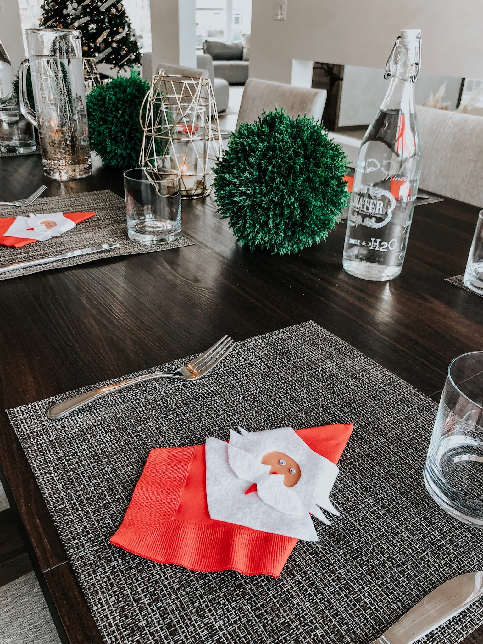 cute christmas table decor, santa napkin holders