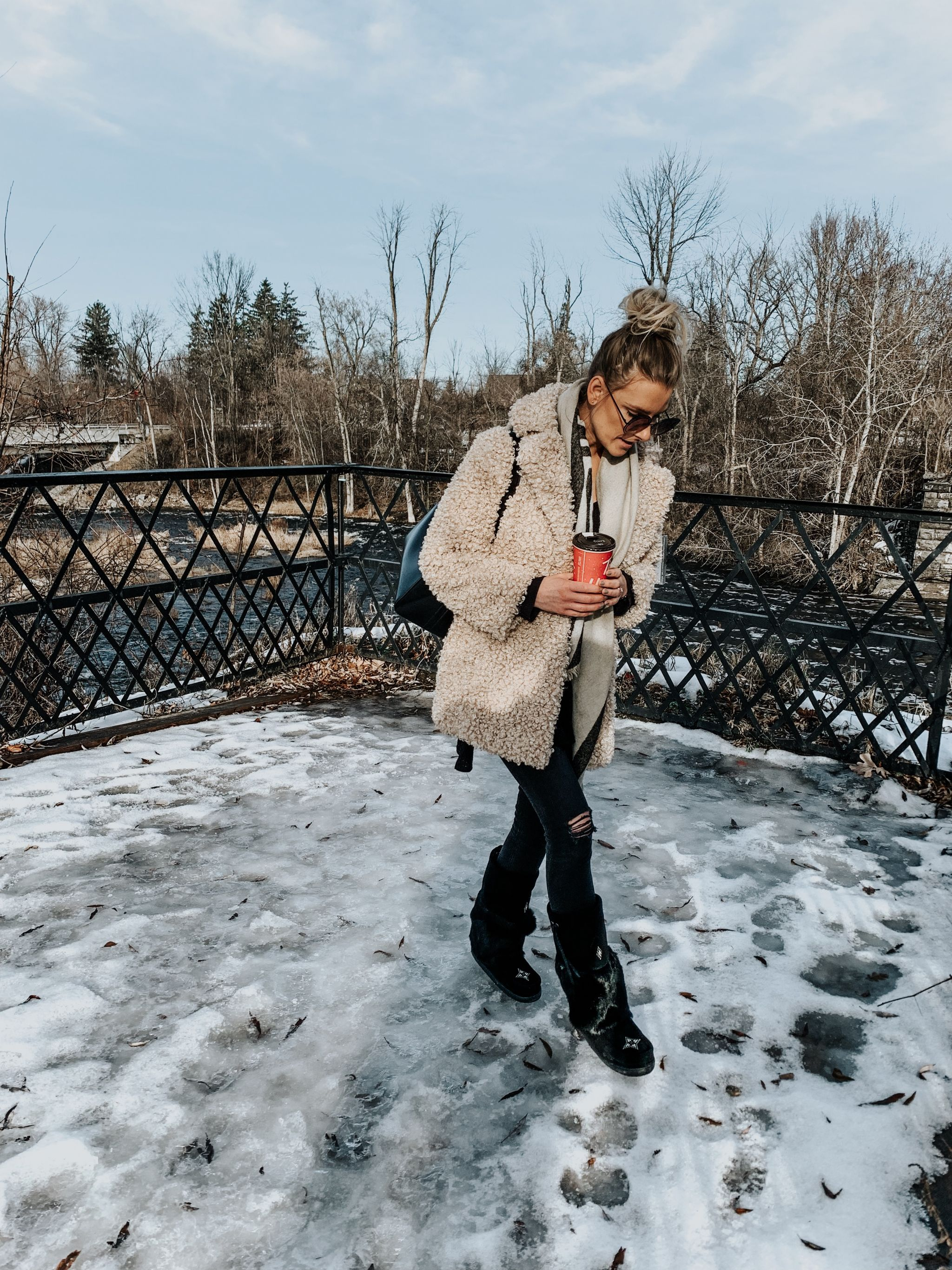 blogger wearing mukluks and teddy coat ottawa, life with aco