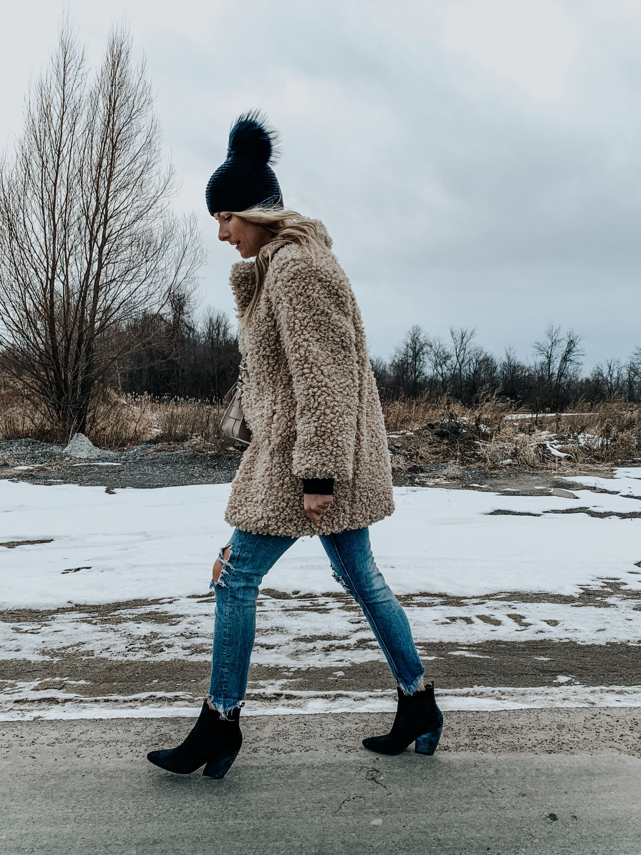 1 person, girl wearing stylish winter outfit
